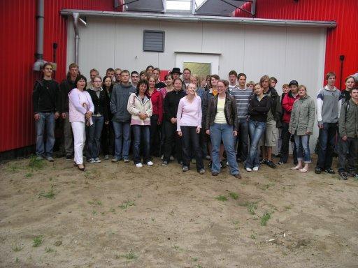 Besuch der Chemiekurse der Klassenstufe 11 des Ernst-Moritz-Arndt-Gymnasiums in Bergen auf der Biogasanlage Bergen auf Rügen