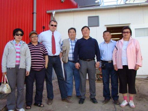 """Besuch von Vertretern des Ministeriums für Brennstoff und Energie der Mongolei im Rahmen des GTZ-Projektes """"Erschließung regenerativer Energiequellen"""" auf der Biogasanlage Bergen auf Rügen"""