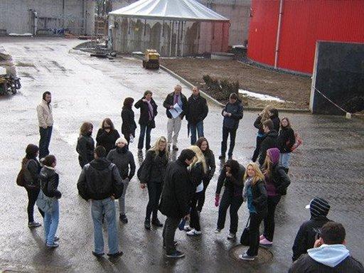 Die Paul-Julius-von-Reuter-Schule aus Kassel zu Besuch in Hardegsen.